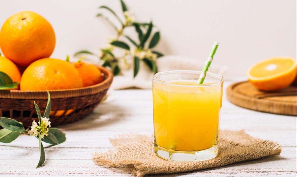 Jugo de Naranja con Azúcar Natural